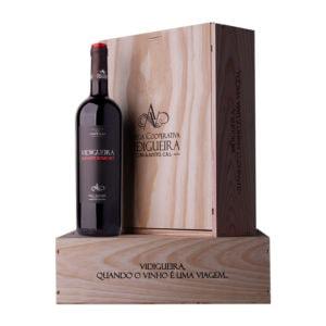 Pack Vidigueira Alicant Bouschet. Caixa de madeira com três garrafas de Vinho Vidigueira Alicante Bouschet 0.75cm